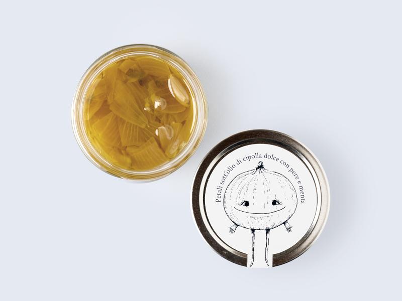 Petali sott'olio di cipolla dolce Clara con pere e menta